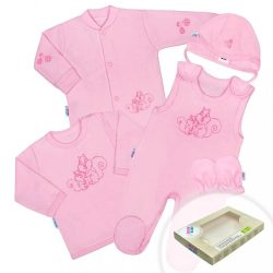5-részes pamut baba együttes New Baby Mókusokkal dobozba rózsaszín