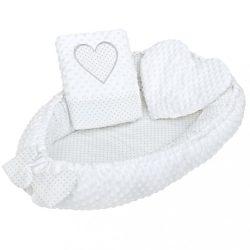 Luxus babafészek párnával és paplannal New Baby Szívecske fehér