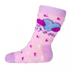 Baba zokni New Baby ABS-el rózsaszín szívecskével sweet