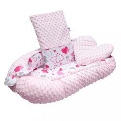 Luxus babafészek párnával és paplannal New Baby Minkyből rózsaszín szívecskék