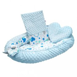Luxus babafészek párnával és paplannal New Baby Minkyből kék szívecskék